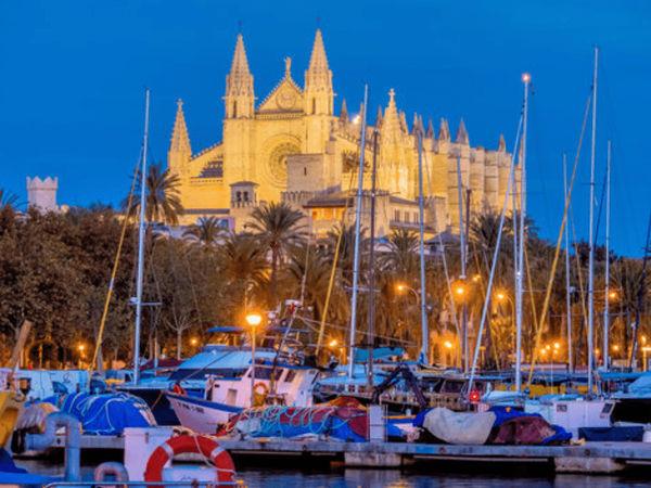 uploads/60d463bf3200bb0af774f9e0/Gastro_Cult_Majorca_Exclusive_City_Tour_2.png