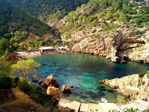 uploads/60d46bf28f16ef0aec22482e/Ibiza_Countryside_Hike_Private_Tour_1.jpg