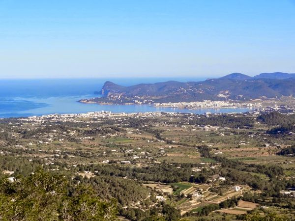 uploads/60d46bf28f16ef0aec22482e/Ibiza_Countryside_Hike_Private_Tour_3.jpg