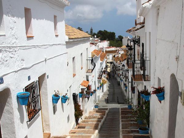 uploads/60d98eca4752070adea93dbb/Costa_del_Sol_Mijas_City_Private_Tour_8.png