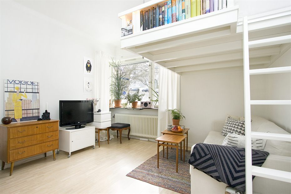 tiny swedish apartment 1 Small Swedish studio apartment elegantly combines
