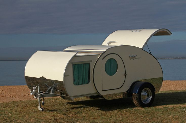 gidget teardrop trailer 1 - You can nearly double the size of the Gidget Retro Teardrop Camper by simply sliding it out