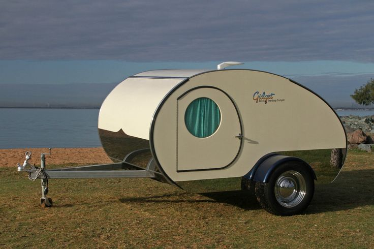 gidget teardrop trailer 2 - You can nearly double the size of the Gidget Retro Teardrop Camper by simply sliding it out