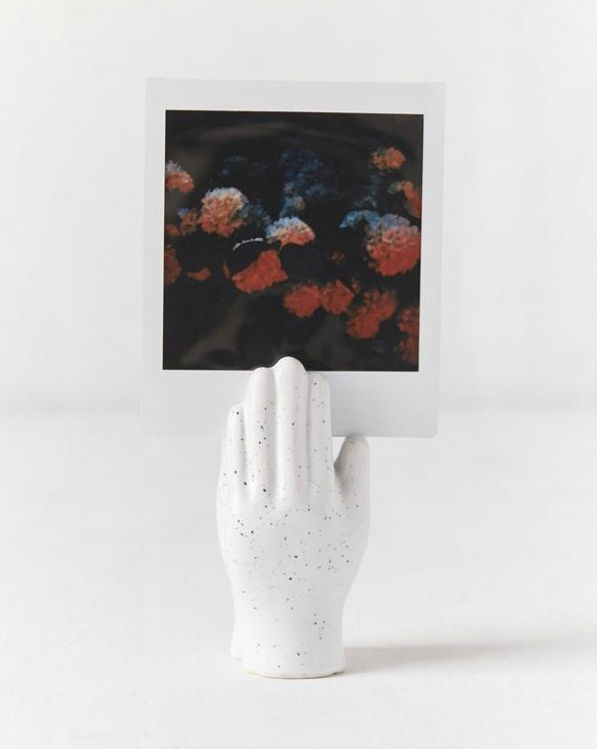 Hand Photo Clip - These 20 photo display ideas will give your memories a stylish edge