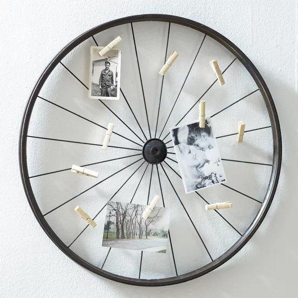 MillanocketMetalWheelPhotoHolderWallDecor - These 20 photo display ideas will give your memories a stylish edge