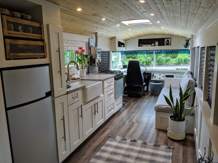 going boundless 1 - Couple turned an old school bus into a cozy home on wheels