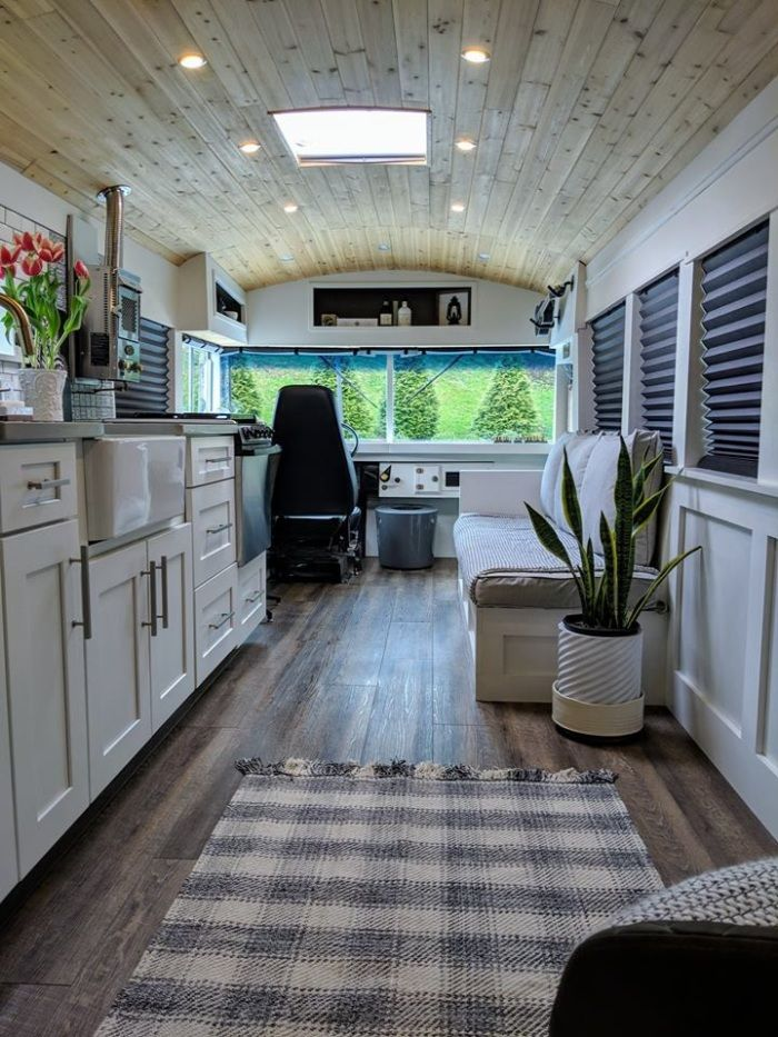going boundless 3 - Couple turned an old school bus into a cozy home on wheels