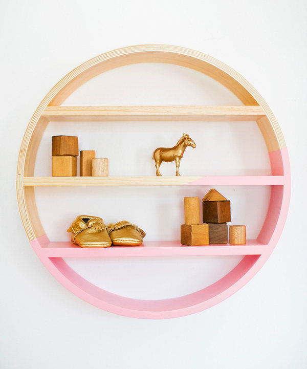 Petunia-Pickle-Bottom-Dreaming-in-Dax-Round-Wooden-Wall-Shelf
