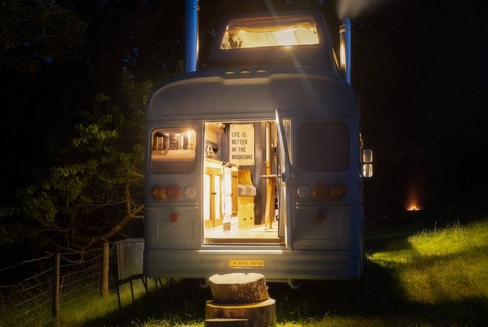 hinterlandes bus at night in cumbria 1024 wide - Glamp out in a converted bus with a VW camper bedroom on the roof