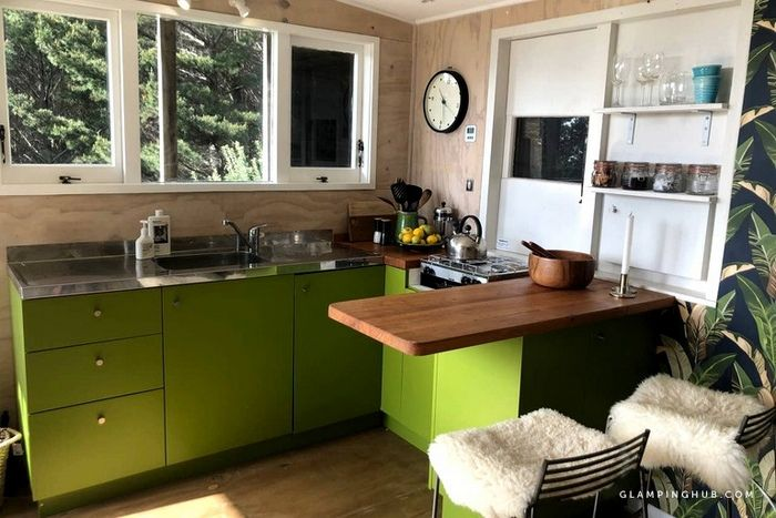 Chic Tiny House Ideal for a Romantic Getaway in Raglan North Island - Try out tiny house living in these 18 beautiful holiday homes