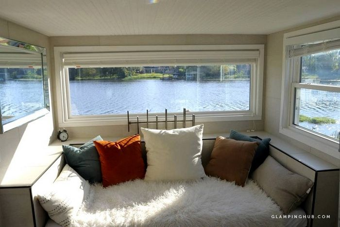 Stylish Lakeside Tiny House Rental for a Vacation in Orlando Florida 4 - Try out tiny house living in these 18 beautiful holiday homes