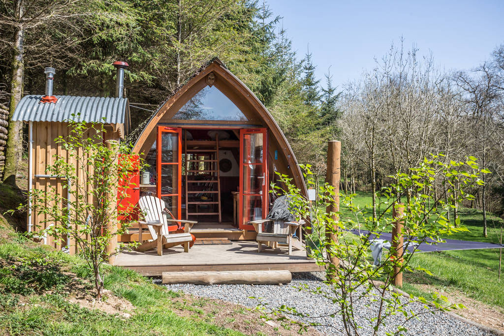 devon den cabin 1 - 12 cozy cabins to consider for your next vacation