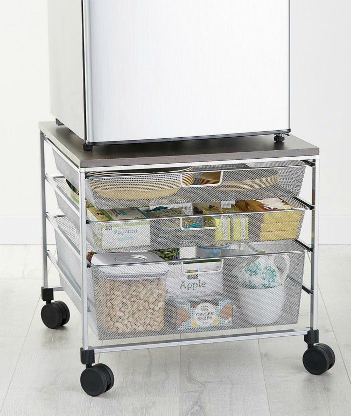 10037559 elfa Fridge Cart Platinum R - 20 smart ways to organize your kitchen