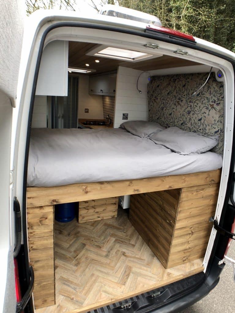 campervan-Volkswagon-Crafter-8
