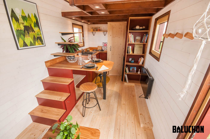 pampille tiny house 13 - The loft bedroom in this tiny house can easily be divided into two rooms