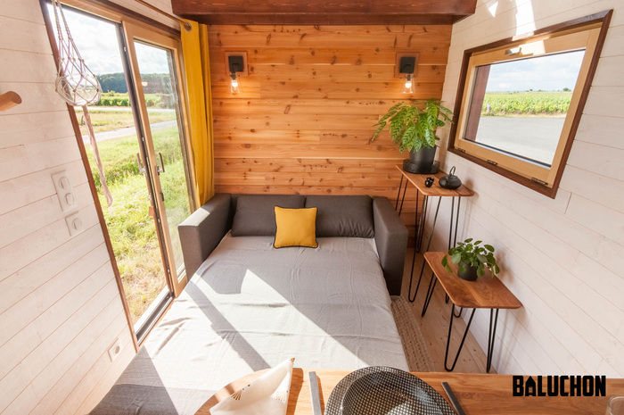 pampille tiny house 2 - The loft bedroom in this tiny house can easily be divided into two rooms