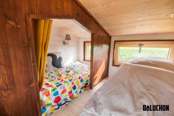 pampille tiny house 3 - The loft bedroom in this tiny house can easily be divided into two rooms