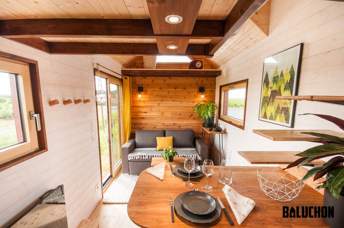 pampille tiny house 4 - The loft bedroom in this tiny house can easily be divided into two rooms