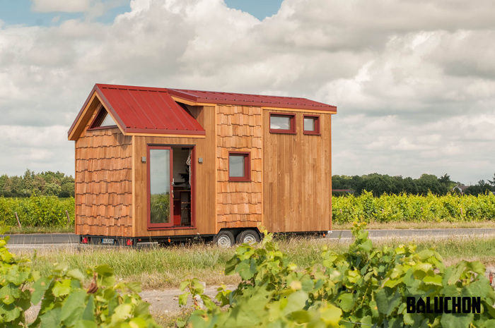 pampille tiny house 7 - The loft bedroom in this tiny house can easily be divided into two rooms