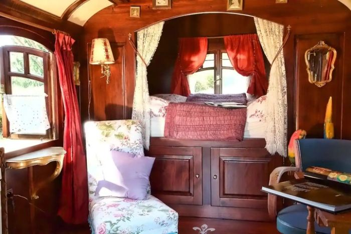 gypsy vardo 1 - Ramp up the romance in one of these 6 cosy getaways