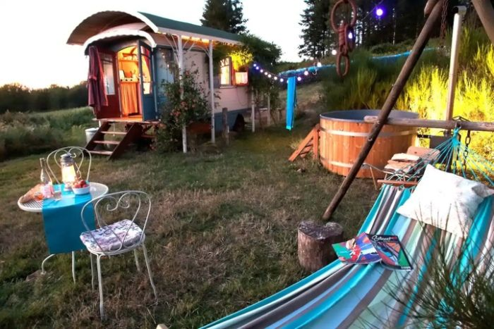 gypsy vardo 2 - Ramp up the romance in one of these 6 cosy getaways