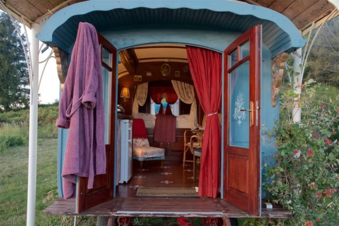 gypsy vardo 4 - Ramp up the romance in one of these 6 cosy getaways