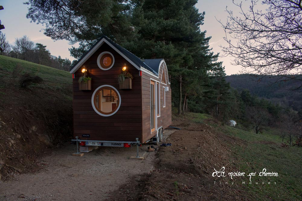 tiny house la flore 3 - Cottage feel tiny house boasts a creative staircase that leads up to two lofts