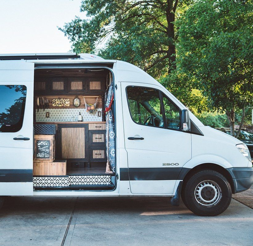 61535877 720540781723432 8375957276192468906 n - Theresa turned a Mercedes-Benz Sprinter into a spectacular campervan