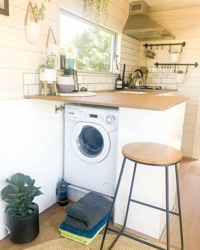girl tiny house 4 - 150-square-foot tiny house built for travelling Australia