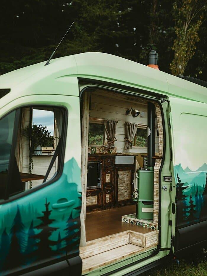 rumi supertramped campervan conversion 12. - A spectacular campervan conversion that turns heads