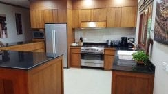 VS1 VS1-14.Teak-fitted-Kitchen-with-all-amenities.jpg