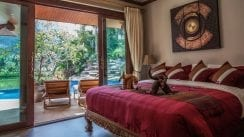 VS1 VS1-23.King-size-bedroom-with-view-of-the-pool-waterfall-lake-and-mountain.jpg