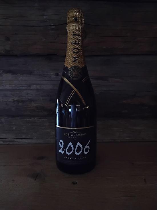 La Cabane de L'Etable - Servido Menu (Takeaway, Delivery) - Moet champagne bouteille