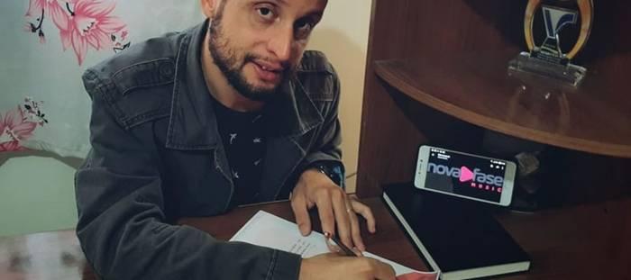 Edu Lucassi assina com a Nova Fase Music