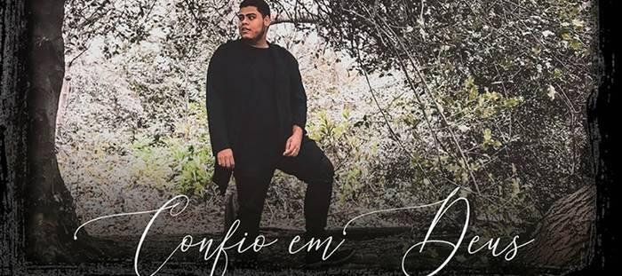 """Acostumado à black music, Danilo Franco traz o pop pentecostal em """"Confio em Deus"""""""