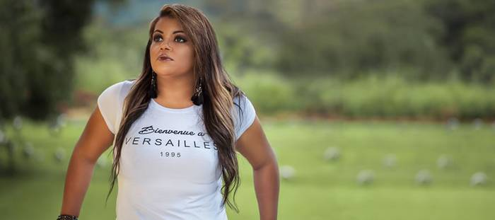 Michelly do Valle realizará Live com banda ao vivo, dia 26 de Maio as 20 horas nas redes sociais