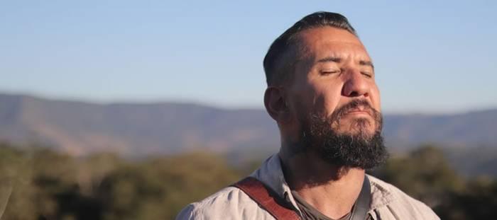 Novo single de Rodolfo Abrantes traz reflexão sobre o presente e o  futuro