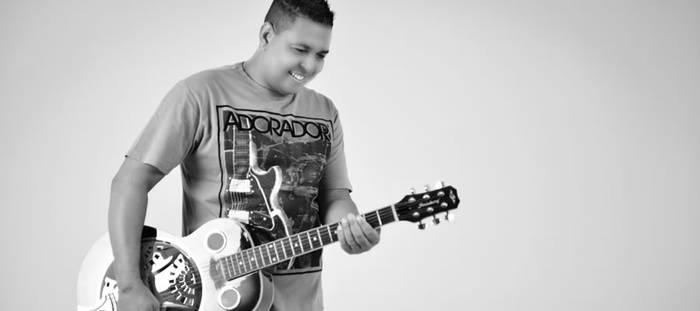 Dirley Silva lança novo single - Alma Sedenta