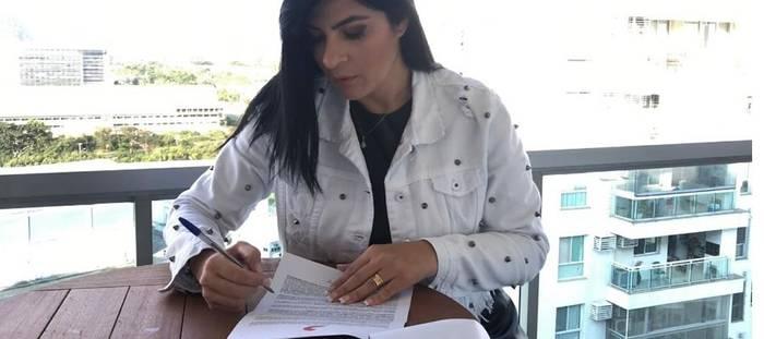 Fernanda Brum assina contrato com Sony Music