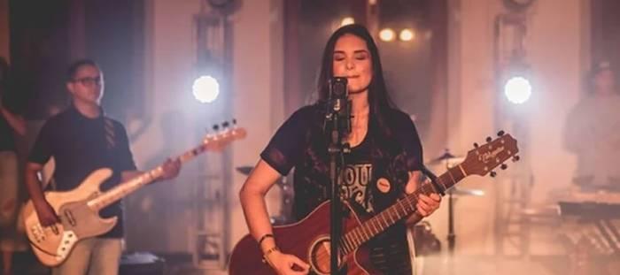 Kathleen Bertelli lança novo single -Queres em Mim