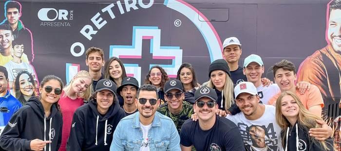 Paulo Alberto dá mentoria a tiktokers em grande evento