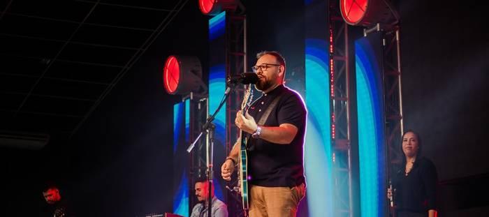Pr. Marcus Salles grava novo álbum ao vivo na Tenda do Leão