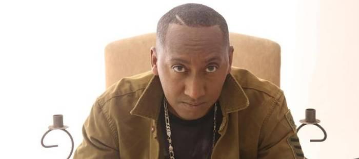 Absolvido é o single de lançamento do rapper Irmão DOJ  que estreia em sua carreira gospel