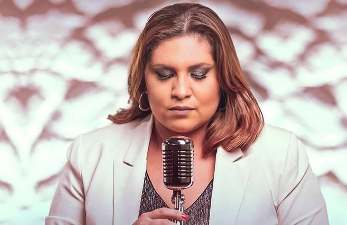 Talita Isvi lança seu novo single - Deus do Tempo
