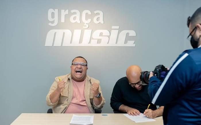 Douglas Borges anuncia seu primeiro single pela Graça Music - Continua Sendo Deus