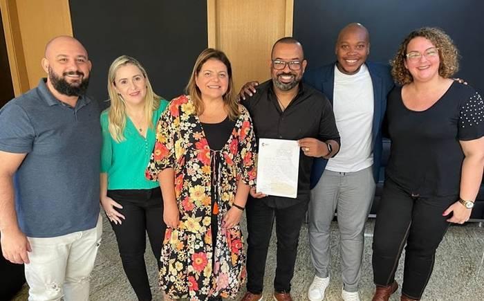 Luiz Arcanjo assina com a Central Gospel Music e anuncia álbum congregacional