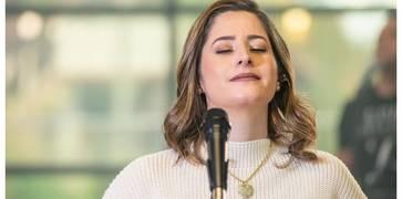 Débora lança clipe de seu novo single - Sem o Teu Amor
