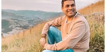 """Cleber Munhoz: a nova revelação gospel lança seu primeiro single autoral """"Me Leva"""" – uma composição inspirada no altar de Deus"""
