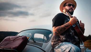 """Cantor Mantovani lança single """"Em Teu Nome"""", agora em versão ukulele"""