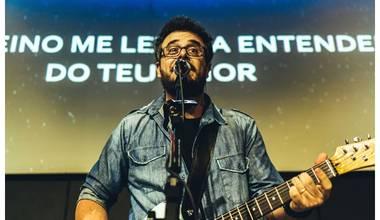 """Com participação de Rapha Sousas, Carlinhos Falsetti lança o single """"Nada Se Compara"""""""